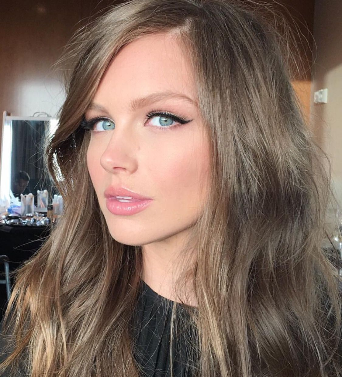 makeup and hair | hairstyles | dark blonde hair, hair pale
