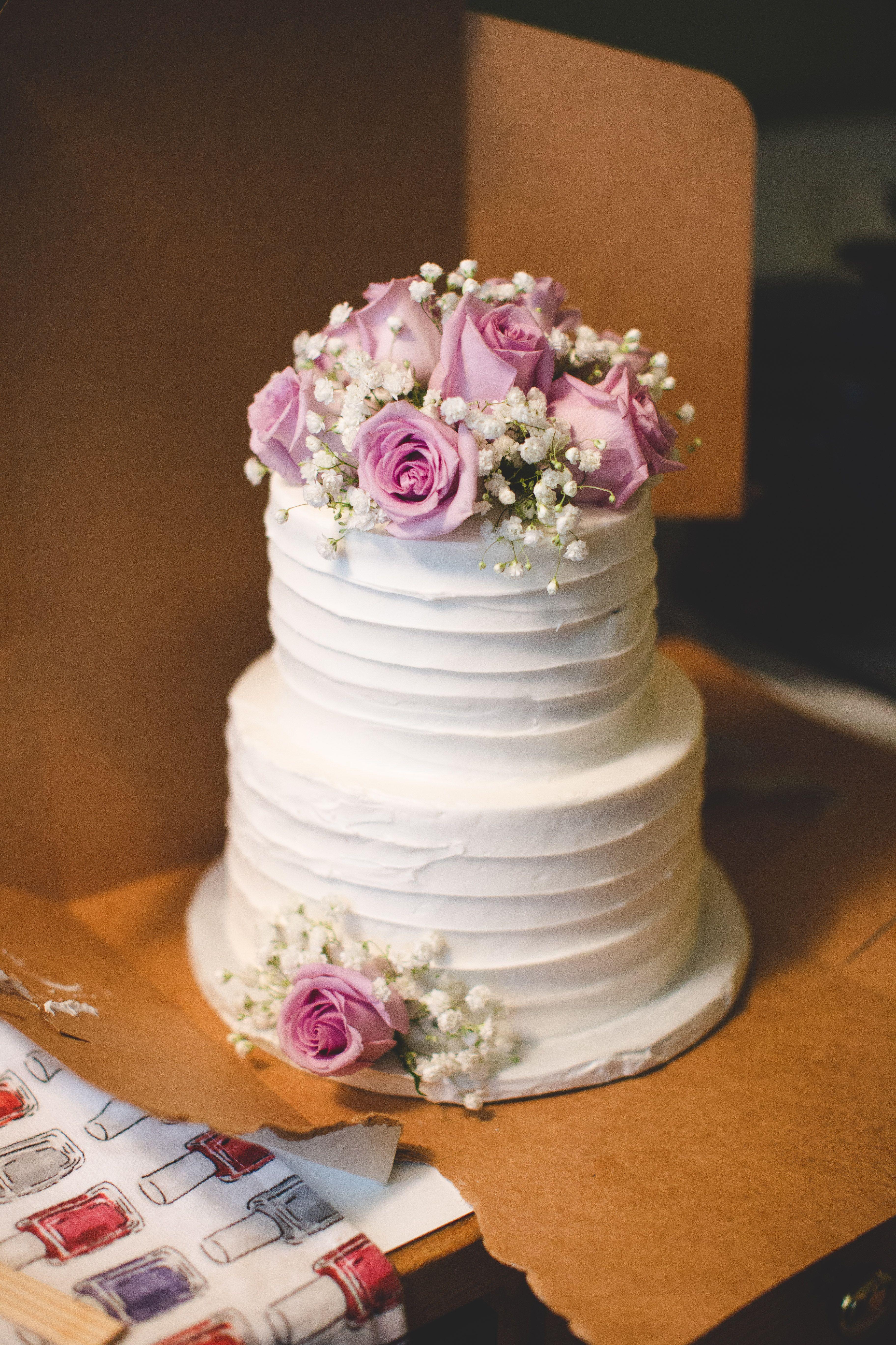 Simple White Wedding Cake With Pink Roses Cake Wedding