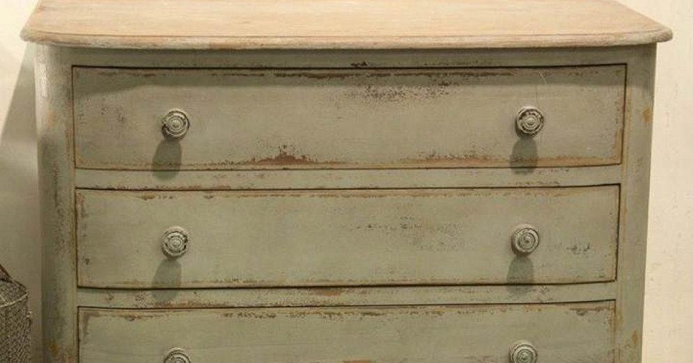 C mo pintar un mueble en blanco envejecido y conseguir un - Como pintar muebles de pino ...
