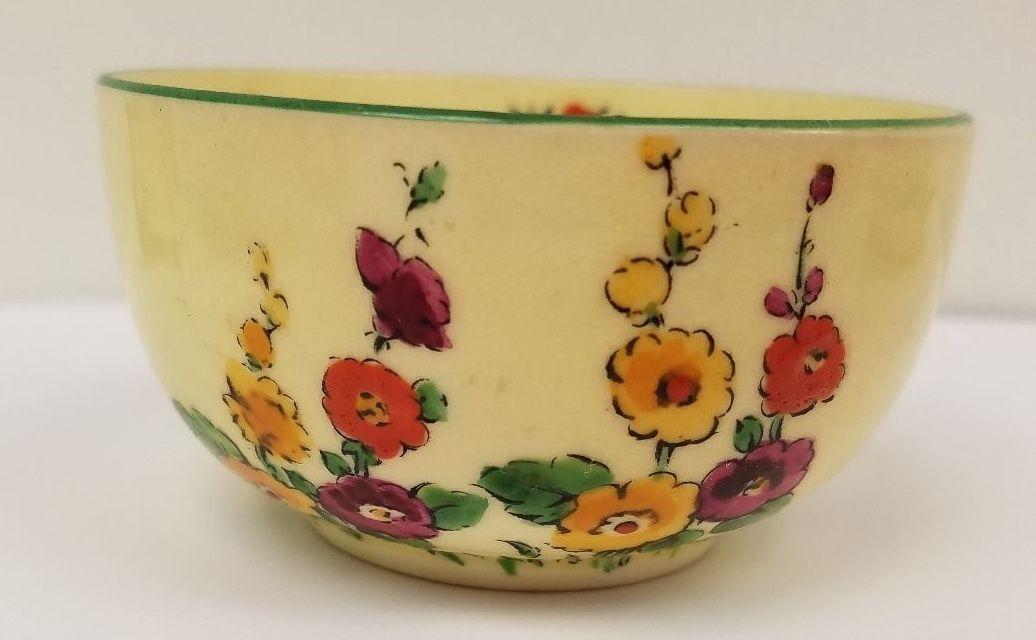 Mariposa de la Corona de Staffordshire de China juego de té de la vendimia de la Copa Hollyhocks 742202 Limón.  9 • $ 99.00
