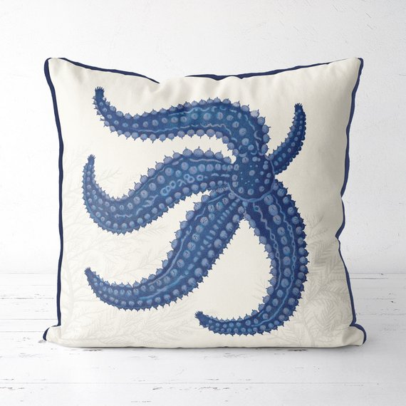 Starfish Pillows With Seaweed