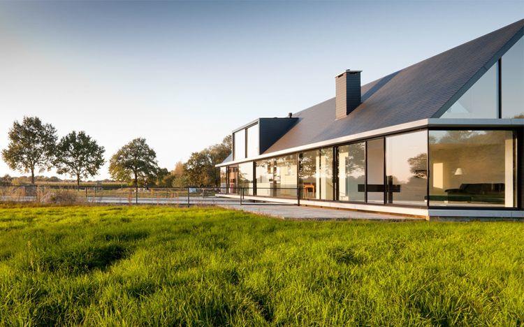 Moderne villa satteldach google suche ideen rund ums for Modernes haus villa
