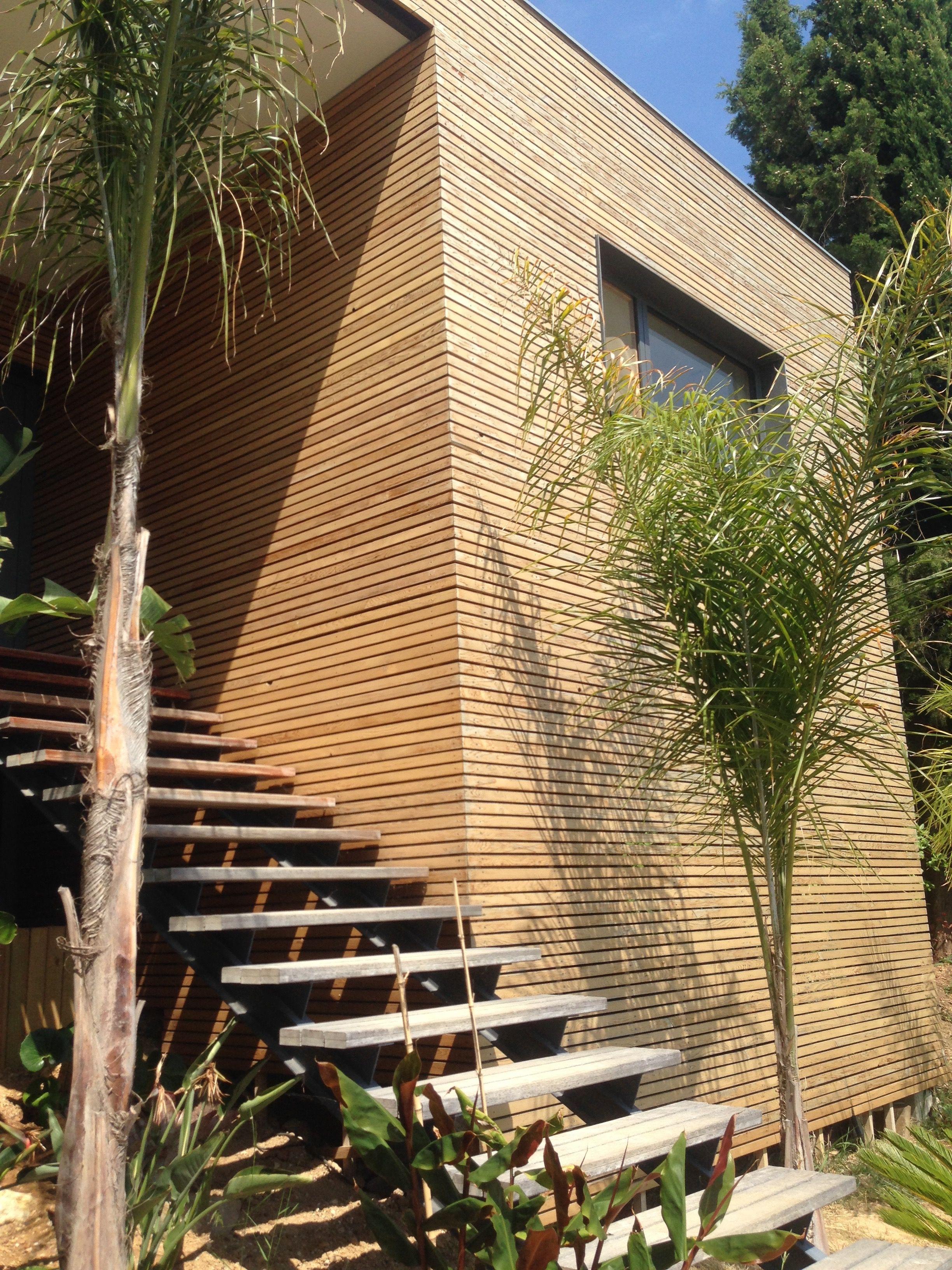villalm f toulon var maison en ossature bois contemporaine bardage bois escalier fa ades. Black Bedroom Furniture Sets. Home Design Ideas
