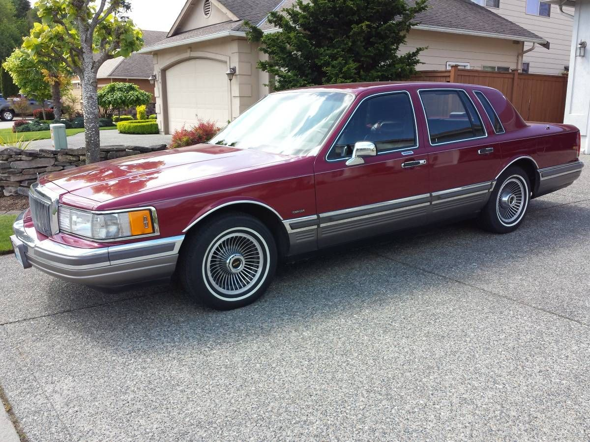 1990 Lincoln Continental Town Car Signature Series Lincoln