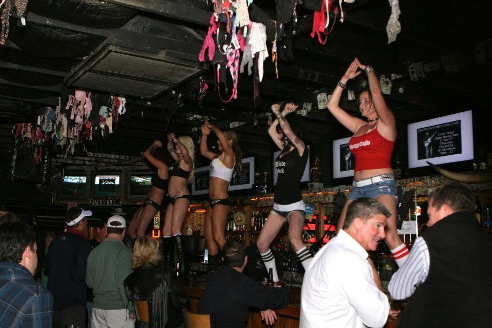 gay club dancing
