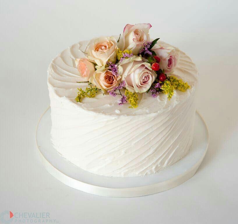 Single layered wedding cake