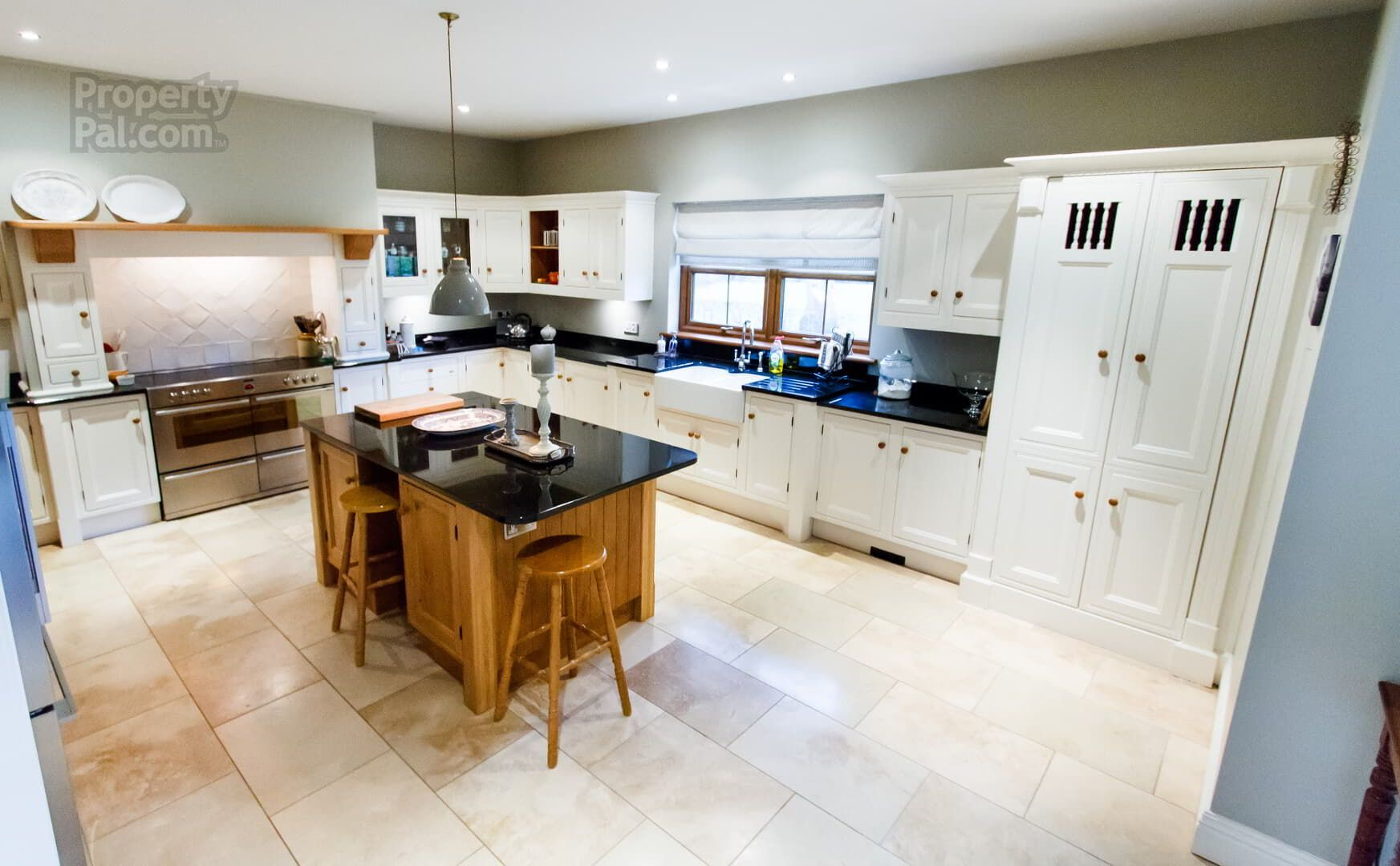 2 Beauwood, Derryhale, Portadown #whitekitchen #kitchenisland ...