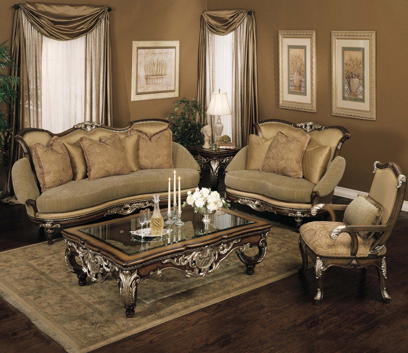 Decorating Ideas Elegant Living Rooms: Benetti's Italia, Catalon Sofa Set