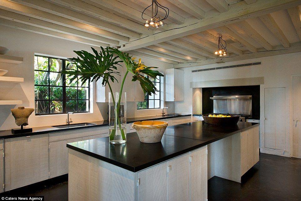 Magnifique Demeure Impressionnante De Calvin Klein La Grande - Le guide des antiquaires pour idees de deco de cuisine