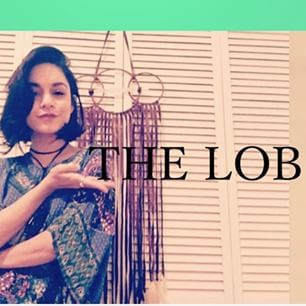 CHOP IT || Find out why we simply cannot get enough of the #lob hair trend on the #blog now. Link in profile. #hairtrends #hairstyle