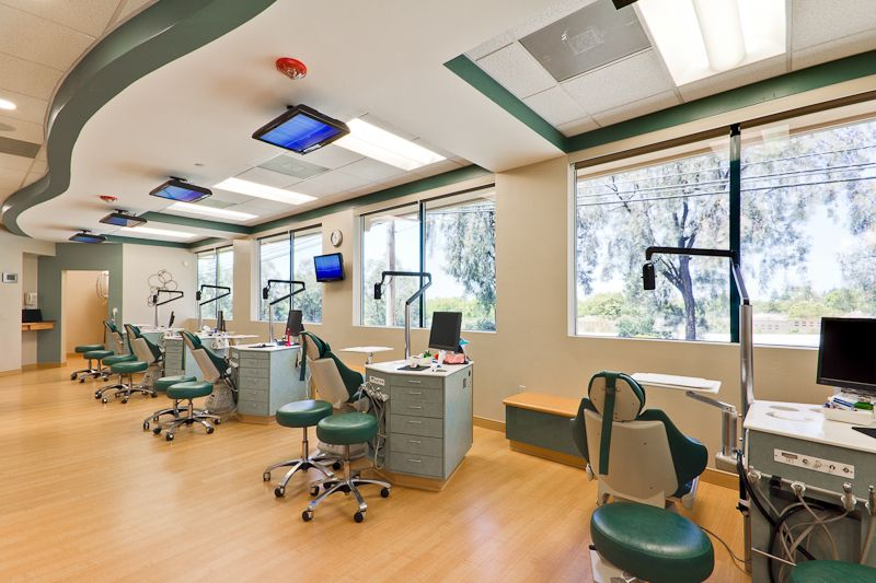 Orthodontics clinic design ideas dental clinic design for Dental clinic interior designs