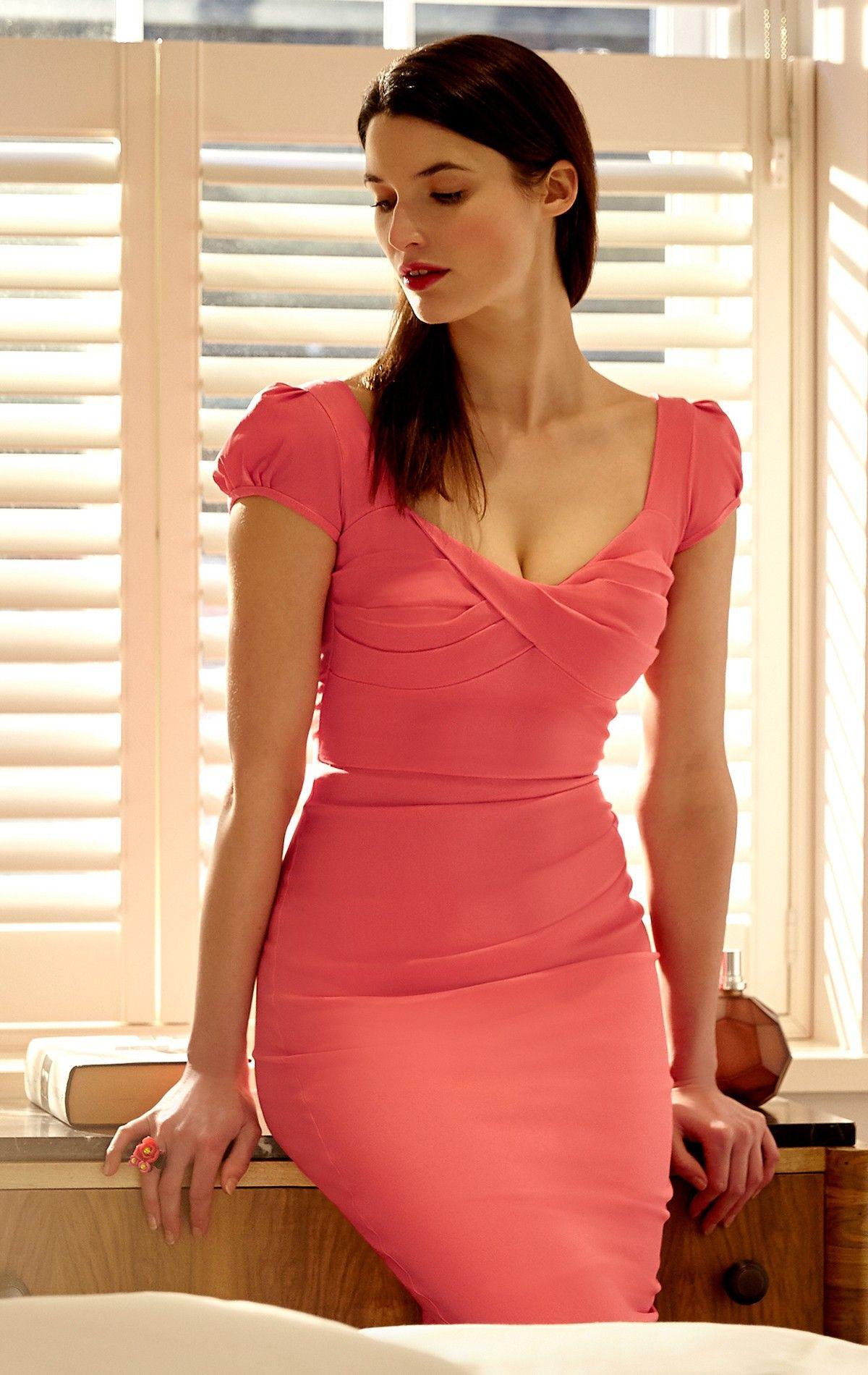 34b86853b61 Bodycon Dress as worn by Nigella Lawson   Susan Sarandon  The Nigella Dress  draws on the vintage charm and feminine glamour of old Hollywood. This sexy  ...