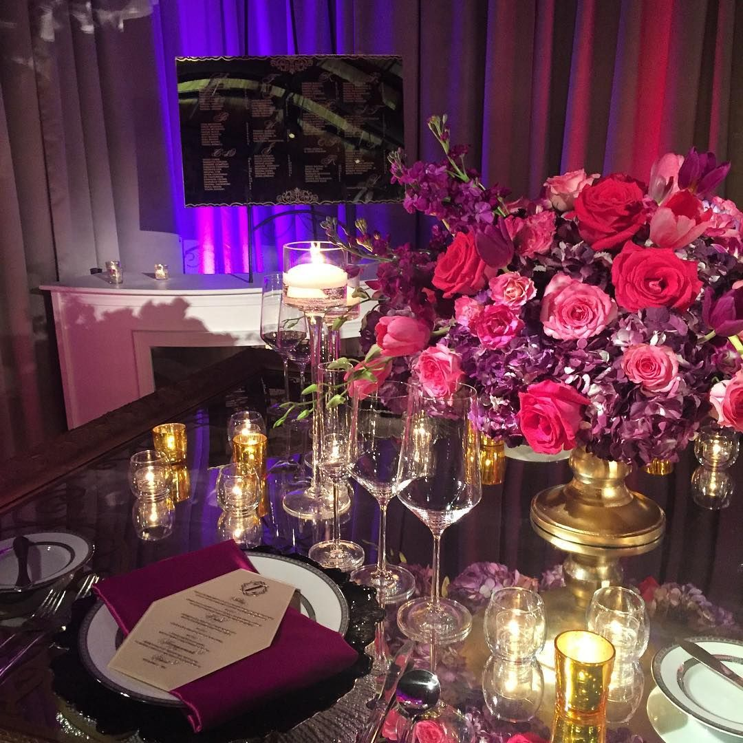 We designed acrylic menus with gold metal press print and the gold mirrored seating chart! Perfect for the fabulousness of @bybriangreen! @edgedesigngroup @forgoodcakes @uniqueeventelements @idolinens #munaluchibride #thebridalscene #byBrianGreen #customstationery #purelywondrousinspiration