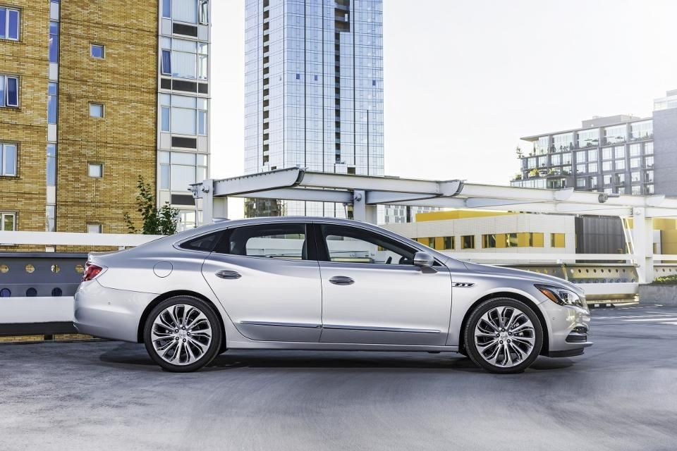 Buick Shocks Customers With New Lacrosse Buick Lacrosse 2017 Buick Lacrosse Buick