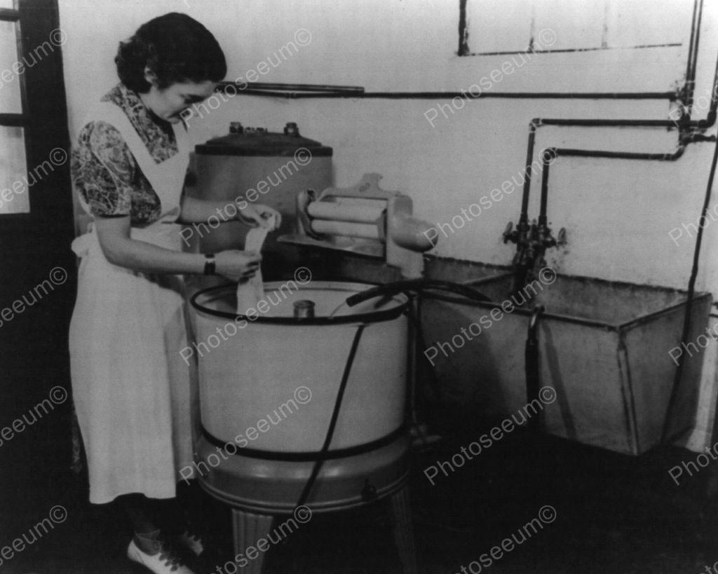 Electric Washing Machine 1940 S Vintage 8x10 Reprint Of
