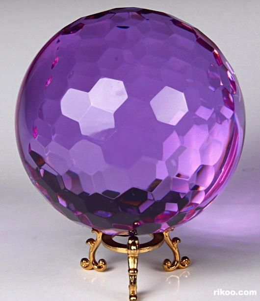 glass crystal faceted ball violet purple dreams pinterest lila purpur und auberginen. Black Bedroom Furniture Sets. Home Design Ideas