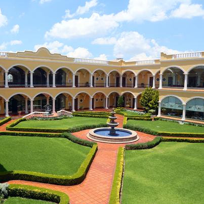 ¿Aburrido de lo mismo en vacaciones? Lánzate con tu familia a Real Hacienda Santo Tomás, olvídate de multitudes y pasa los mejores momentos.
