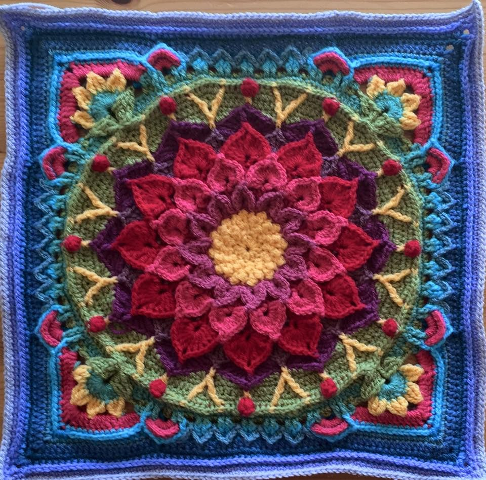 Enchanted Garden (crocodile flower / Sophie) Tote pattern is ...