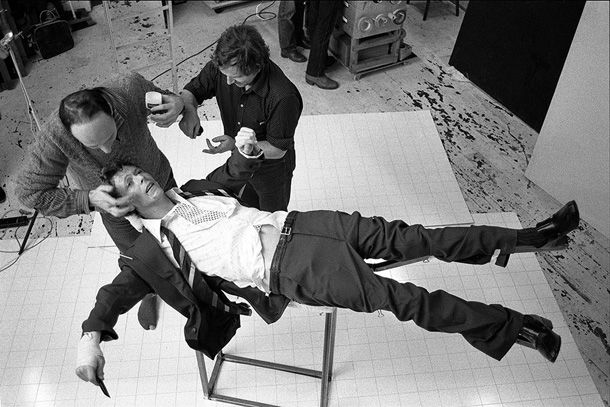 Lodger Set Build, 1979, by Brian Duffy © Courtesy The Duffy Archive/Gallery Vassie Amsterdam