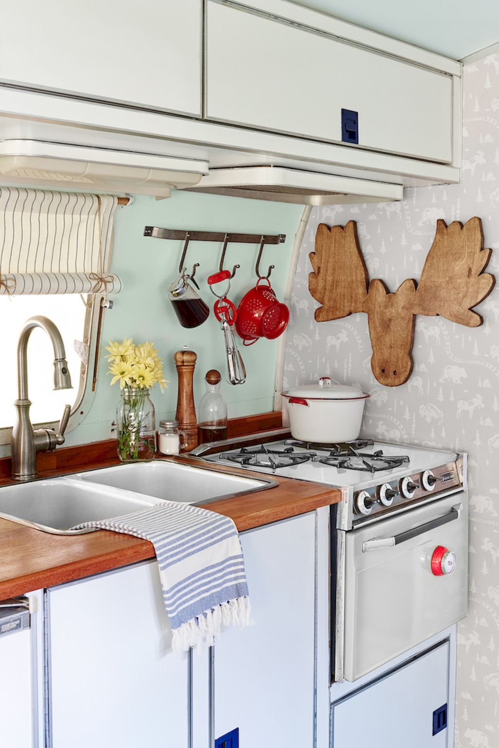 85 Travel Trailers Interior Ideas For Full Time RV Living