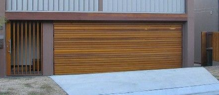 Gentil Western Red Cedar Batten Door. Horizontal Wood Slat Garage. Modern.