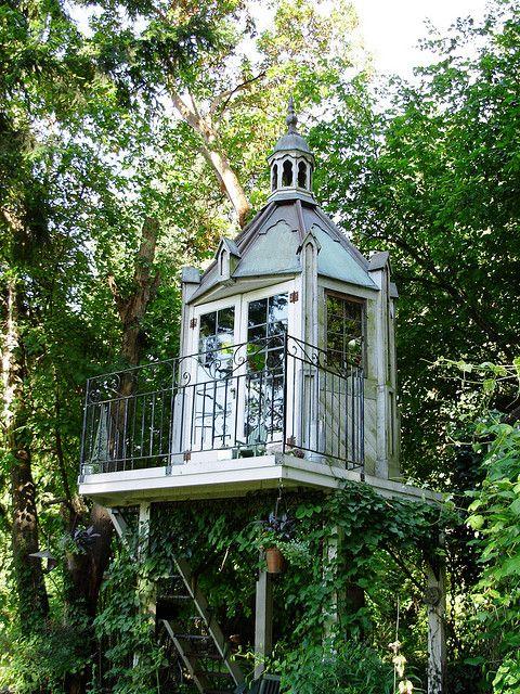 tree house TREE HOUSE/ Neo Loddges/Un Rêve d\u0027Enfant un peu Perché