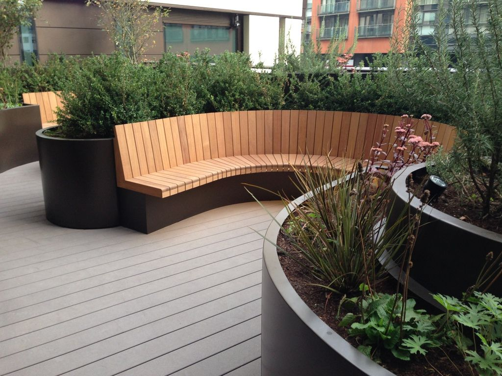 Outdoor Design Bespoke Curved Planters And Seating 3