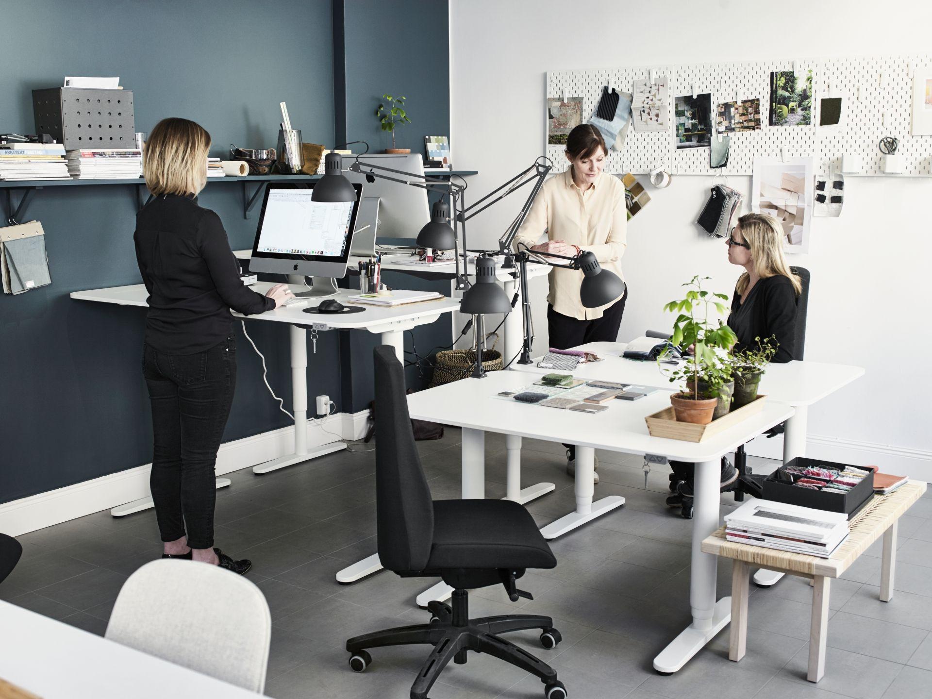 Bekant bureau zit sta wit waad design bureaus
