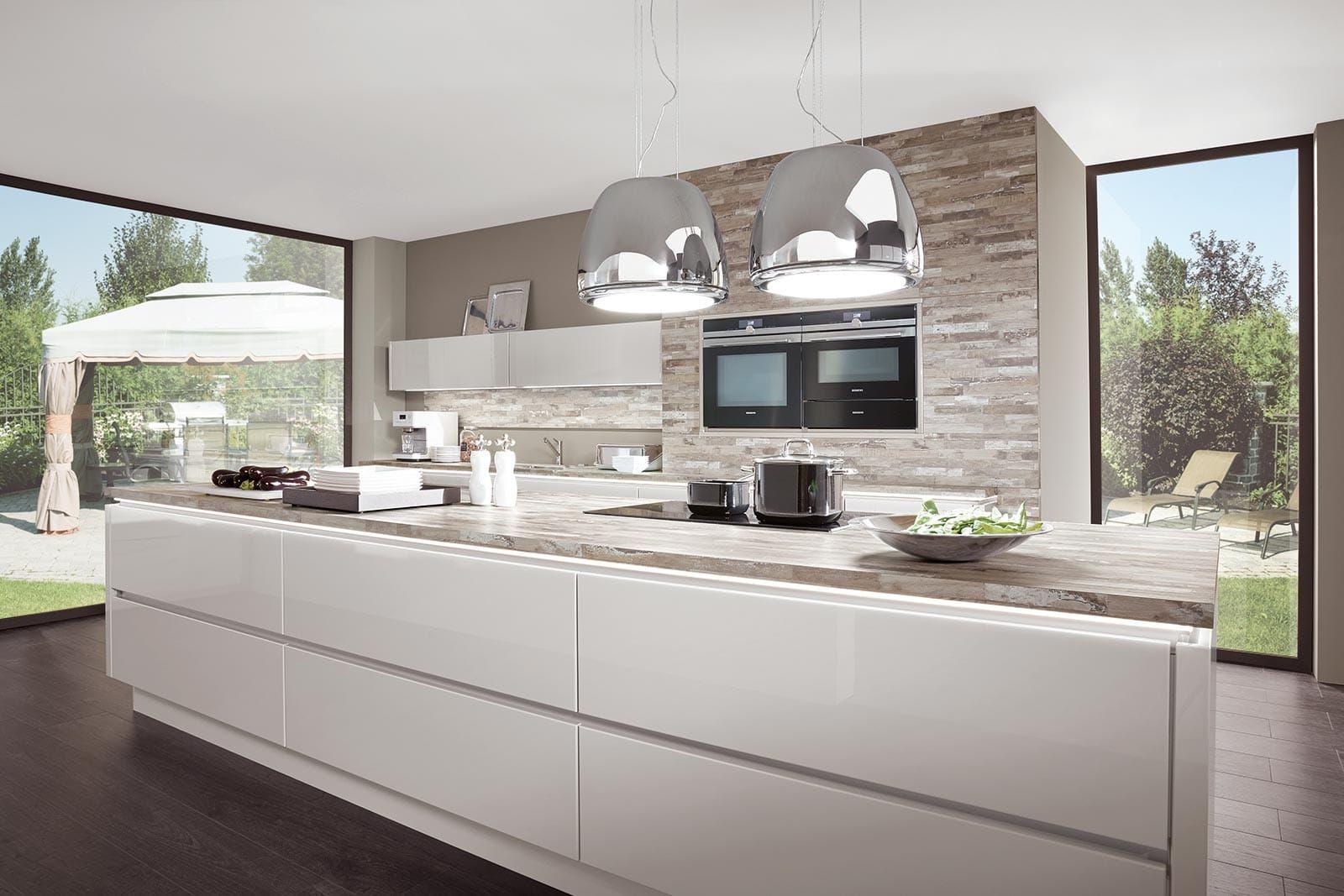 Küchenschränke weiß kochinsel küche hochglanz weiß norina   küche  pinterest