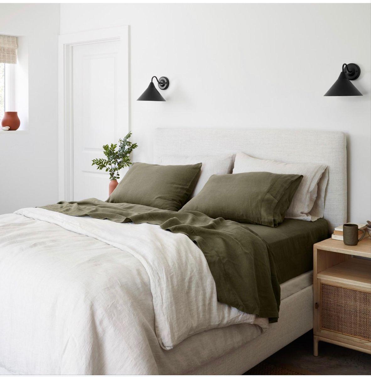 Pin by Maddie Burkey on ιℓєαgиєѕ ️ in 2020 Bedroom