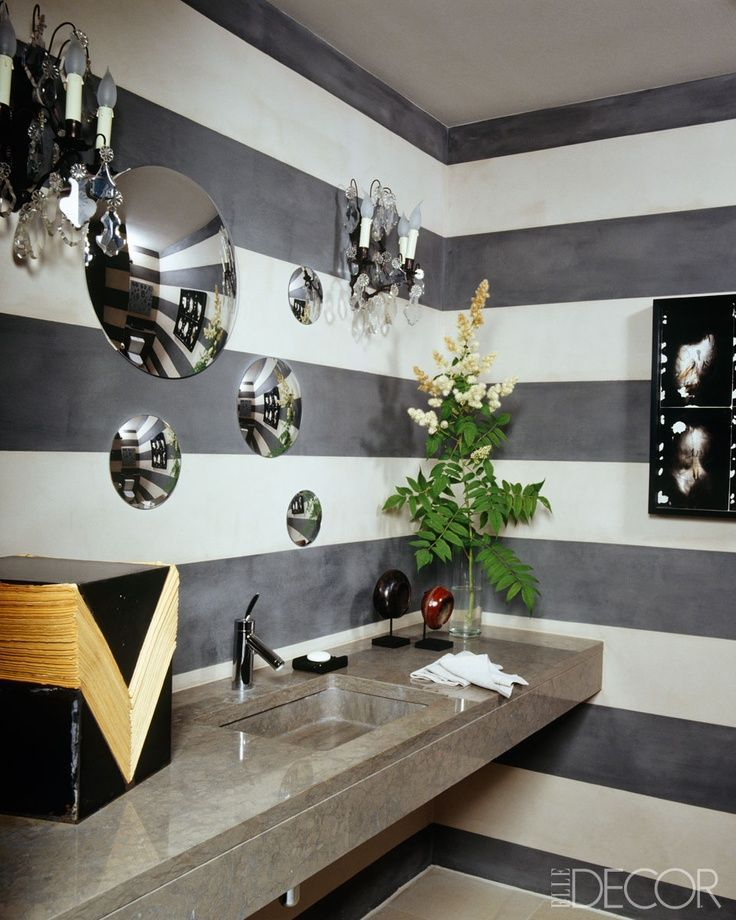 Funky black white bathroom decor bathrooms for Lavaderos chiquitos