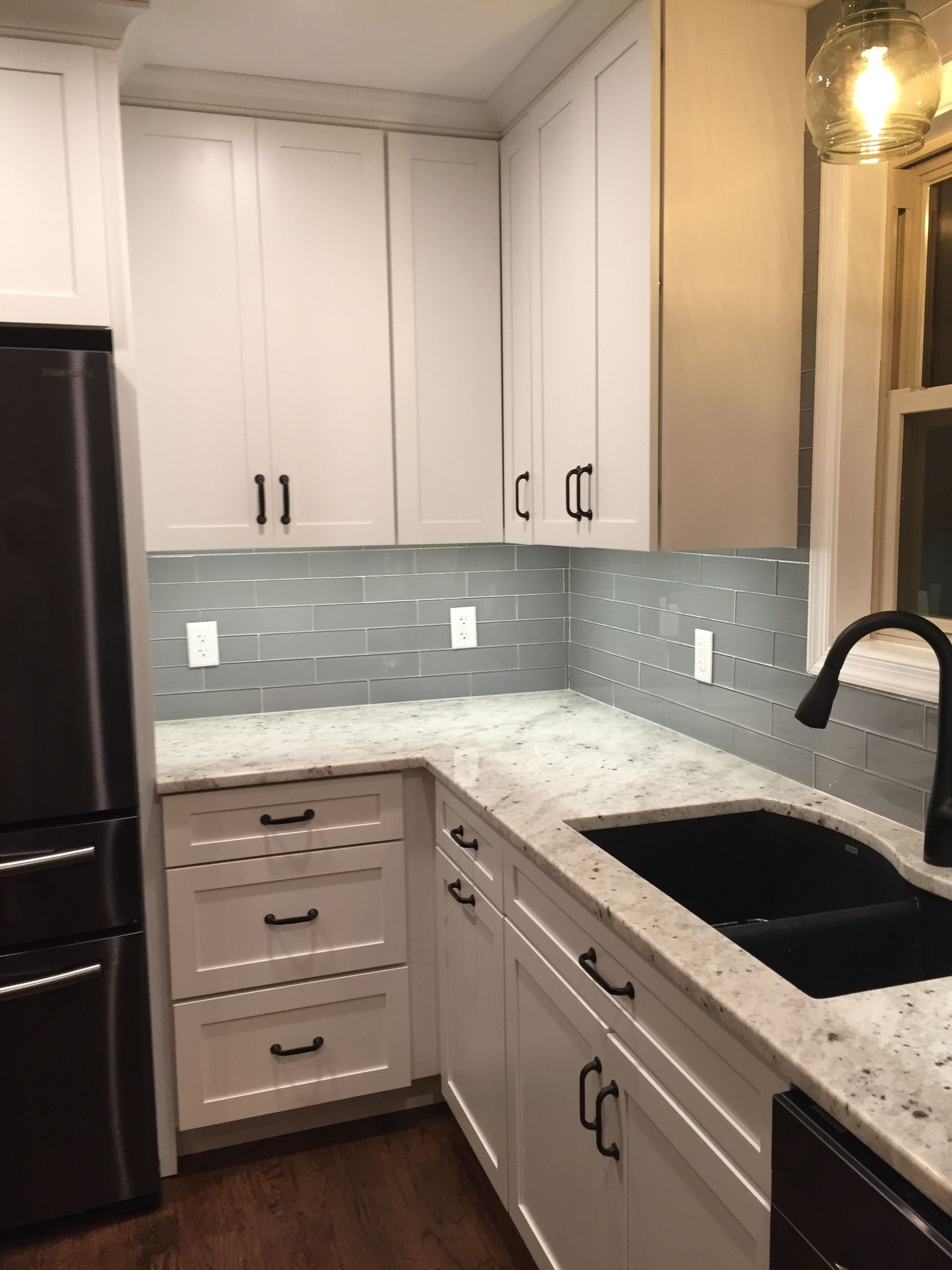 Colonial White Granite With Gray Glass Backsplash Glass