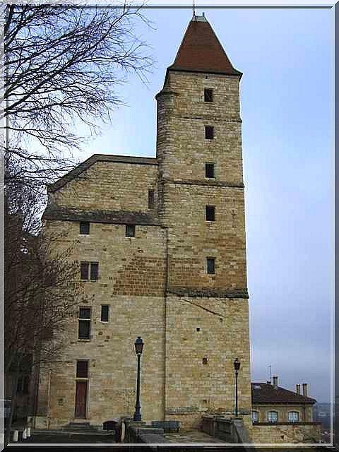 Tour d 39 armagnac auch houses pinterest castle tours and palace - Difference entre villa et maison ...