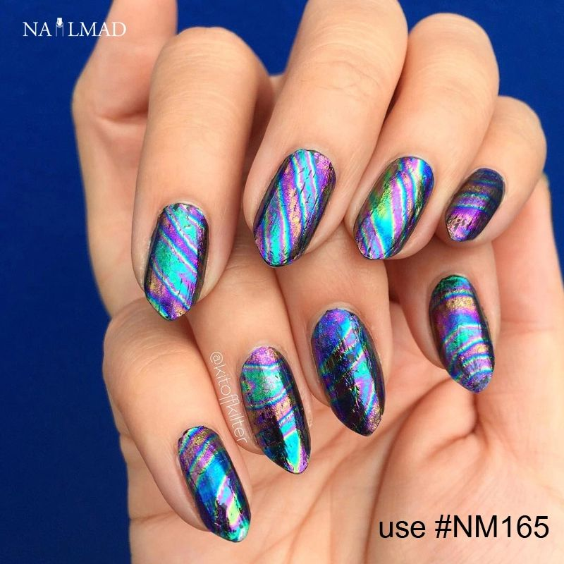 Another example of beautiful DIY Nail Art using nail foils. So easy ...