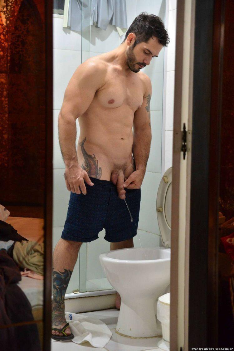 Hot men pissing