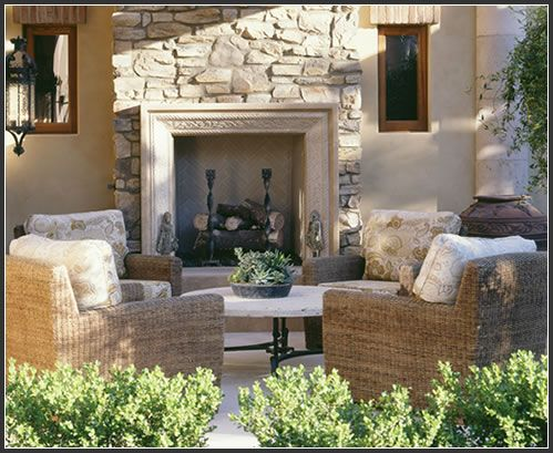 Outdoor room with #fireplace, by Shannon Martin Design chimeneas