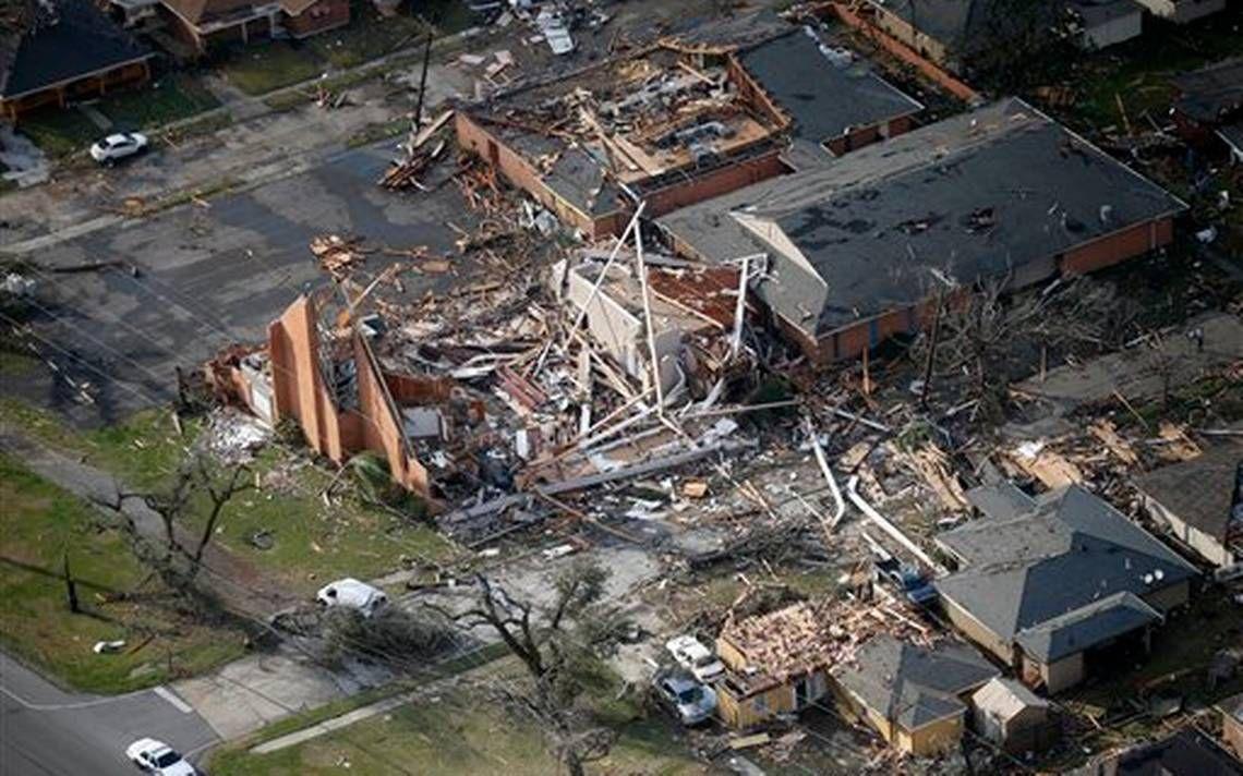 Tornados ocasionan daños en el sur de Louisiana, 20 personas heridas