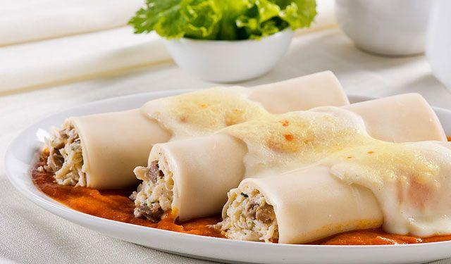 Canelones es una pasta italiana se puede cocinar en maneras diferentes hoy vamos a ver una - Canelones en microondas ...