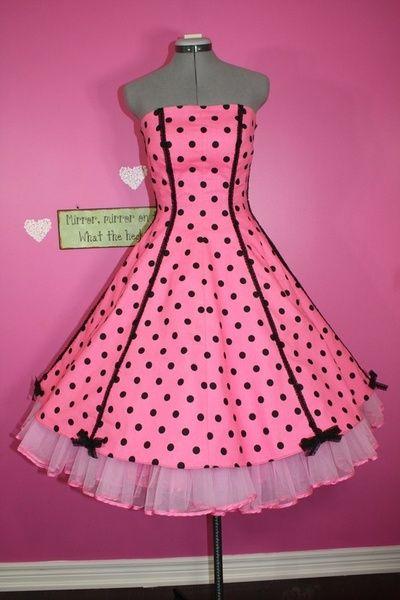 pretty 1950s dress