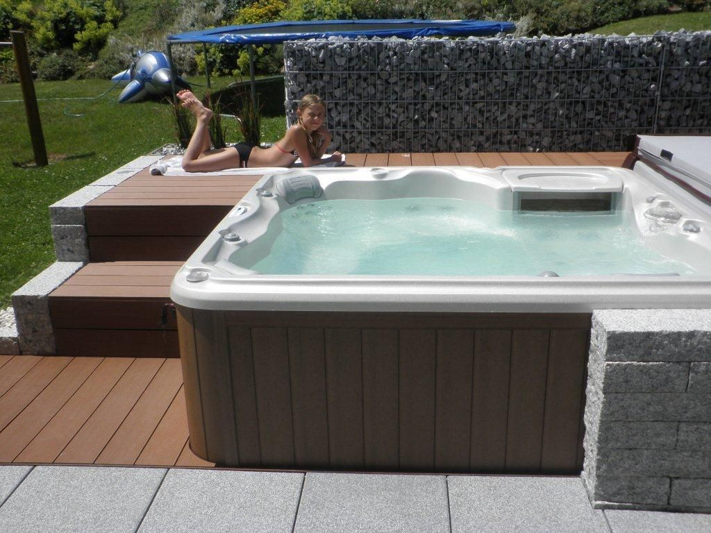 Pin by Armstark GmbH on Whirlpools/Hot Tubs | Pinterest | Bathtubs ...