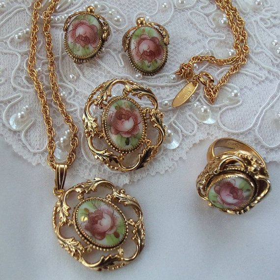 1940s Bridal Vintage Jewelry Set, Whiting & Davis Rose Cameo, Exquisiet Grand Parure, Stunning mint condition vintage jewelry, Spring Roses