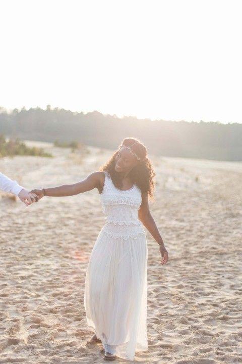 Romantisches Liebes-Picknick am Strand   Pinterest   Wedding dress ...