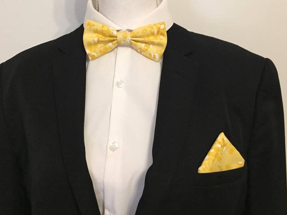 305d0dc5cf606 SET Noeud Papillon et Pochette Costume Assortie jaune imprimé fleurs Homme  : Cravates par fleurs-de-provence