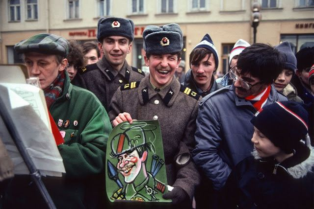 Street artist and the Red Army, on the Arbat, 1989
