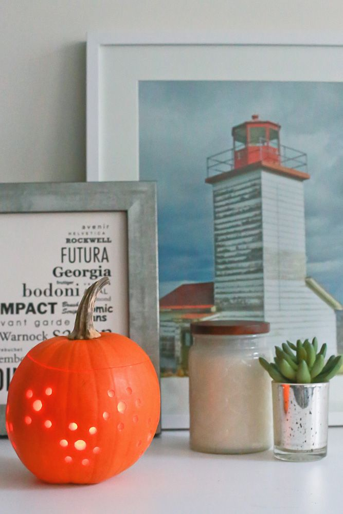 {BY THE SHORE   life + style} sharing a super cute #pumpkin carving DIY on the blog!! <3