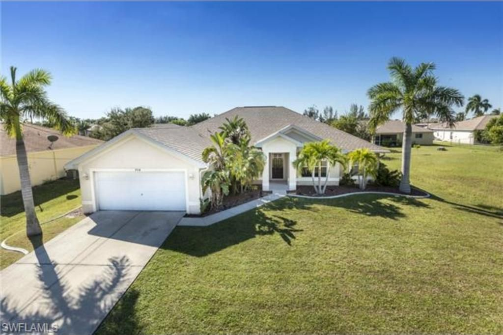 3918 Sw 26th Ct Cape Coral I Cape Coral Homes For Sale Cape Coral Real Estate Cape Coral Luxury Estate