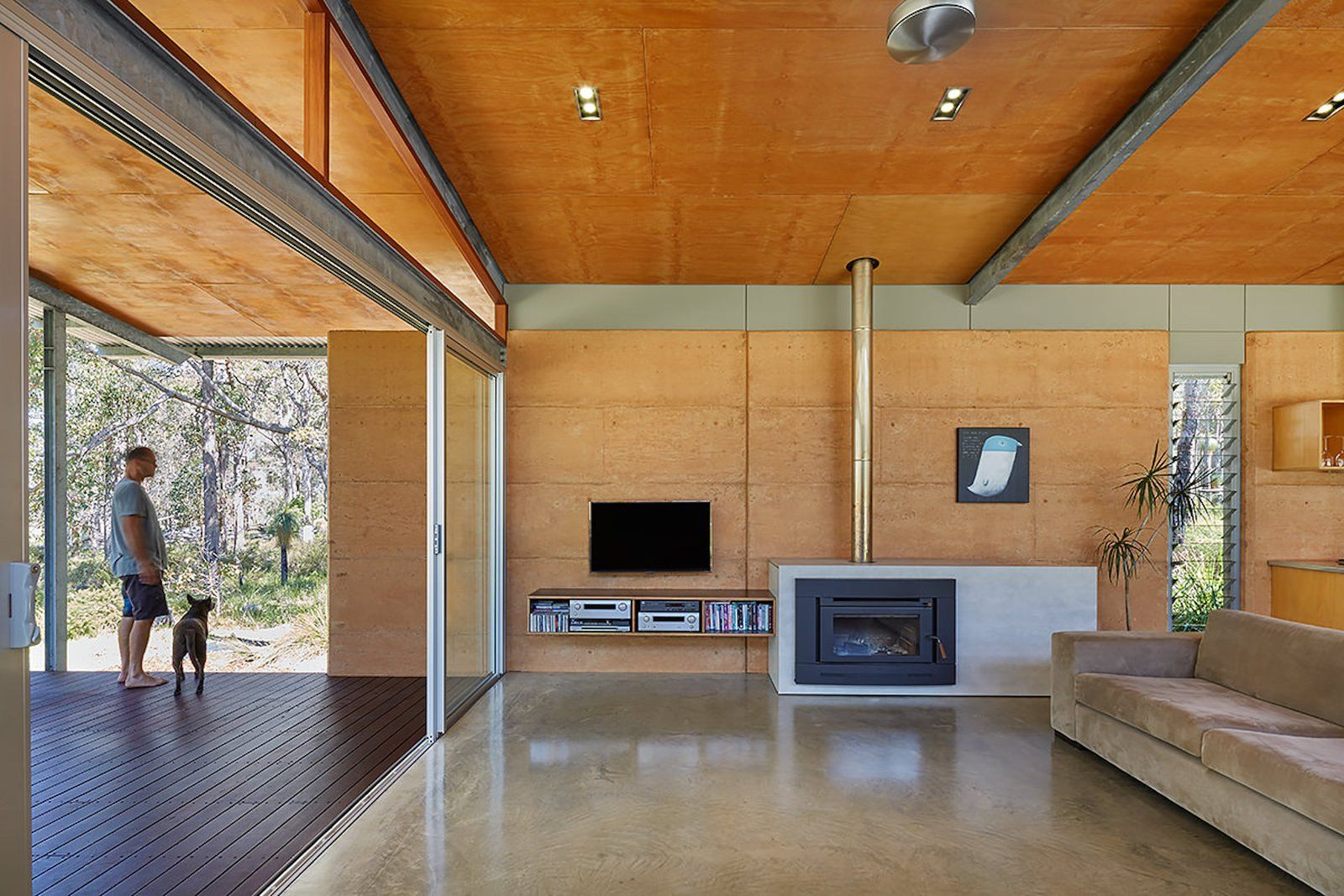 Photo 12 Of 14 In An Australian Architect Builds A Rammed With Images Steel Frame House Rammed Earth Homes Building A House