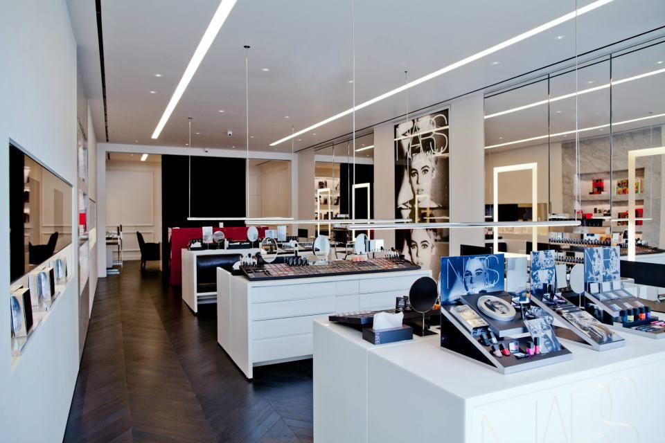 Nars Store In La With Images Commercial Space Design Store