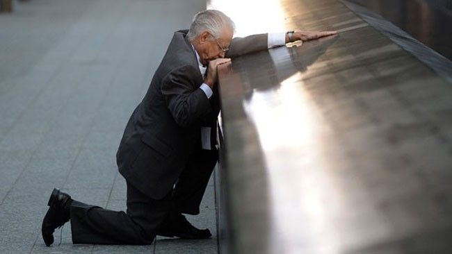 Robert Peraza, who lost his son, mourns 10 years after the 9/11 terror attacks  [2011] Photos that define the 21st century so far.