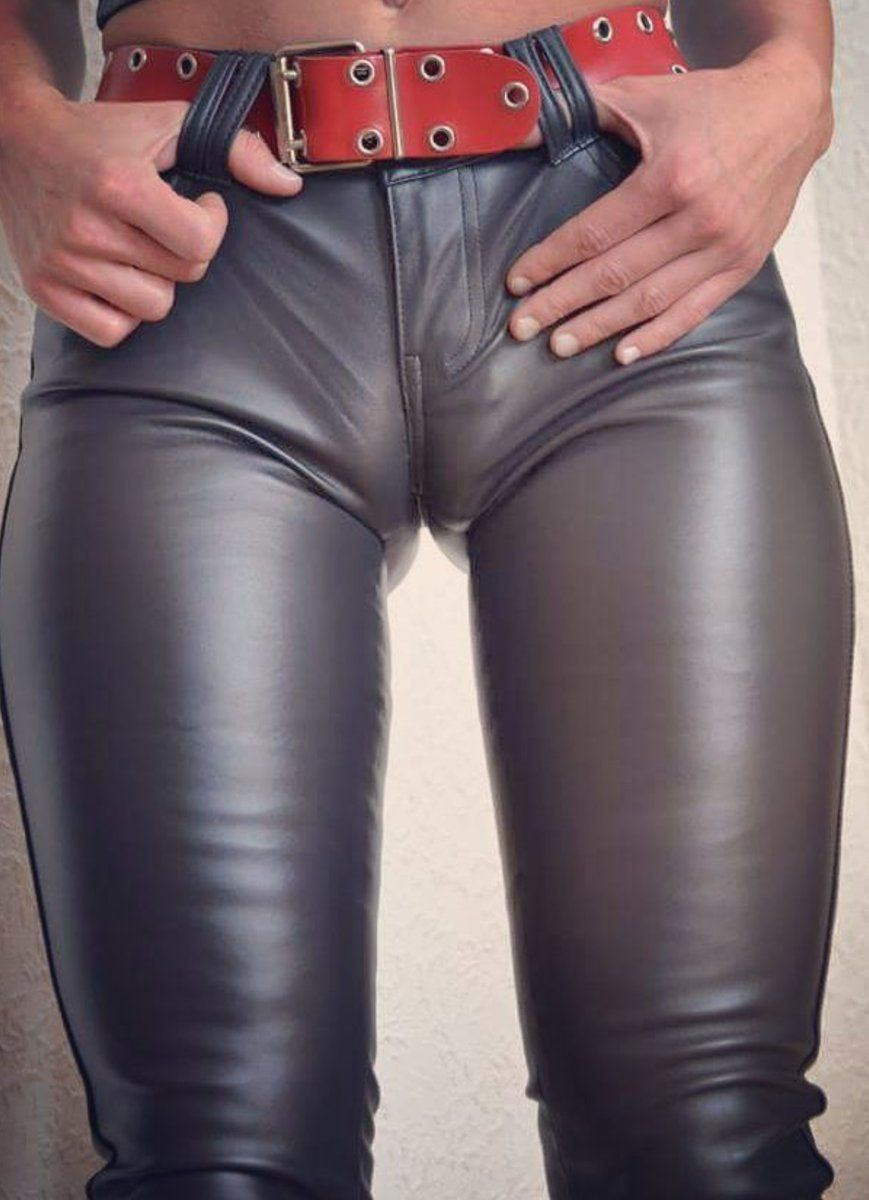 Leather twink gay tight kiss william gets 7